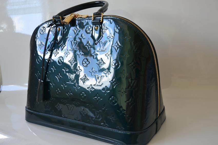 Louis Vuitton Alma MM Bleu Nuit. 29. 12345678910 e7a040c50c7