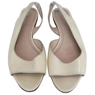 0dda3013e13 Max Mara patent leather off-white flats
