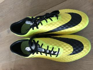 NEW Nike Green Hypervenom Football Boots