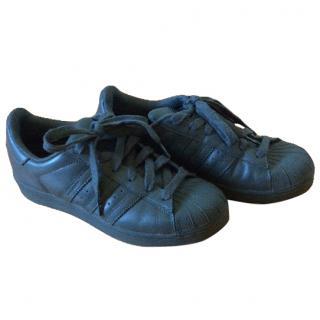 Adidas Pharell Williams sneakers
