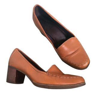 Timberland Tan leather low heel comfy loafers shoes size 4