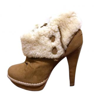 Ugg boots size 4