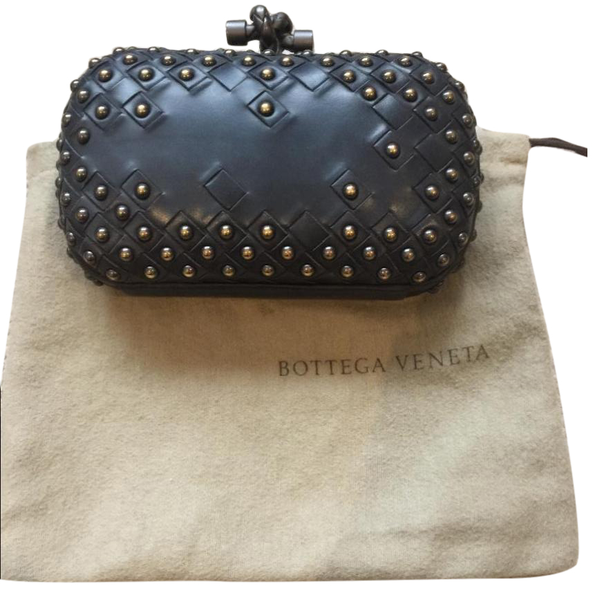 325ad62e87 Bottega Veneta Studded Intrecciato Leather Knot Clutch