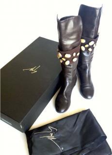 Giuseppe Zanotti Chocolate Leather Flat Boots in box