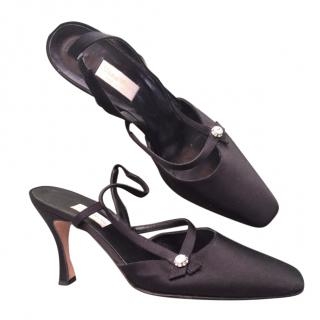 Vera Wang black satin designer evening shoes heels slingback