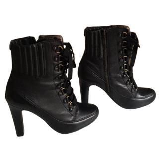 DKNY Izzy boots