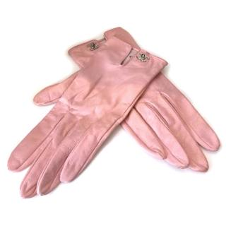 Chanel baby pink leather gloves