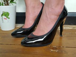 Yves Saint Laurent Patent Pump Leopard Heel