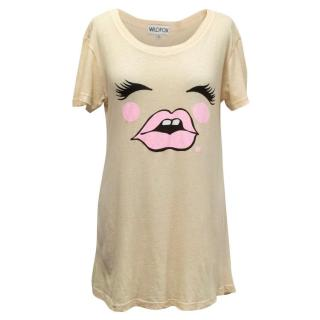 Wildfox Beige T-Shirt with Eyelashes & Lips