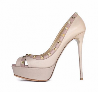 Valentino nude rock stud peep toe platforms worn once