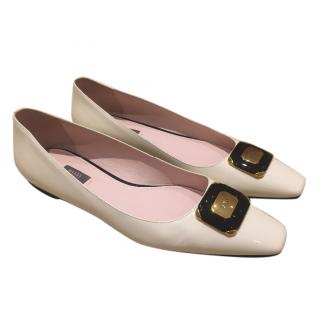 Bally 2016 Cream Patent Leather Flats Size 40