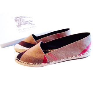 Burberry Espadrilles Flat Canvas Shoes Size 6.5