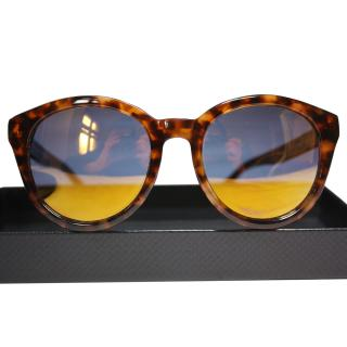 Alexander McQueen sunglasses reflective yellow no scratches