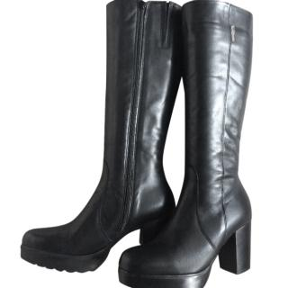 Russell & Bromley Ladies Black Leather Boots EU38