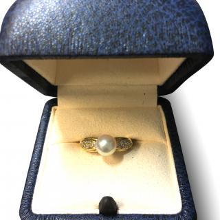 Mikimoto Akoya Pearl Ring in Yellow 18K Gold with Diamonds