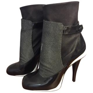 Fendi Sting Ray Boots
