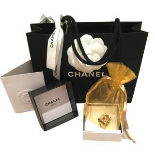 Chanel gold metal/enamel ring