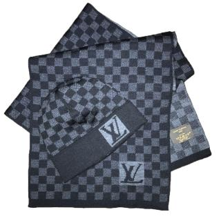 Louis Vuitton Petit Damier hat and scarf set