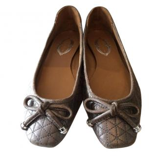 Elie Tahari quilted flats