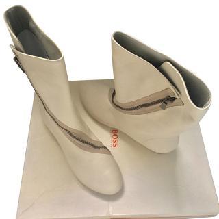 Hugo Boss Cream Zipped Long Boots
