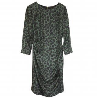Immaculate Louis Vuitton silk green leopard dress It 40