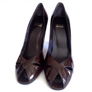 Stuart Weizman brown patent peeptoe pumps