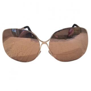 Victorian Beckham oversize gold mirrored sunglasses