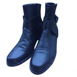 Stuart Weitzman The Cool Girl Essential Leather Booties
