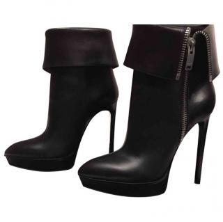 Yves Saint Laurent Janis Ankle Boots