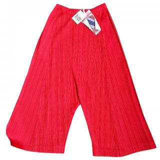 Pleats Please red shorts