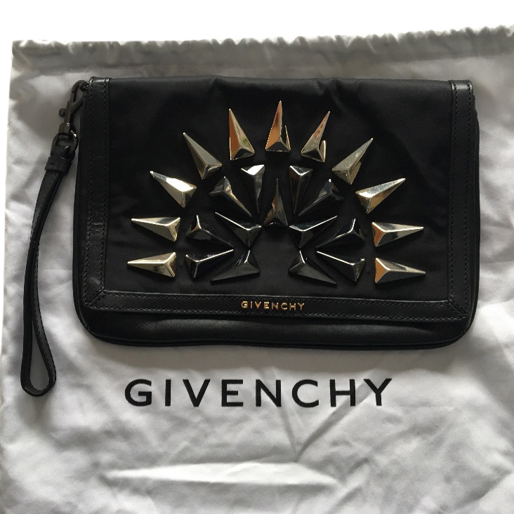 728f9d9152f1 Givenchy Studded Clutch Black Leather And Gold
