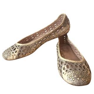 Elie Tahari oyster & taupe snakeskin perforated ballerinas