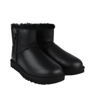 UGG Classic Mini Zip Boots